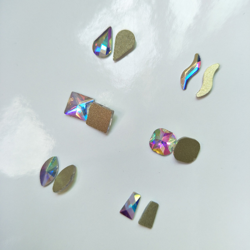 50pcs 20 Shaped Shiny Nail Art Rhinestones Jewelry Nails Stone Supplies Nail Decoration Accessories Crystals 3D Nail Gems Charms 10pcs gold 3d rudder metal flower pearl music note mixed rhinestones cross nail art decoration jewelry nails supplies y180 187