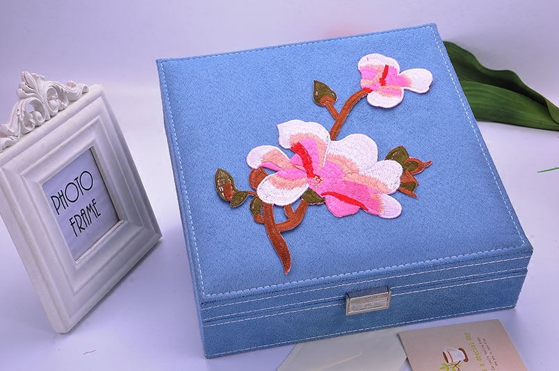new style embroidery Magnolia jewelry box European-Style Flannelet jewellery case box lager space necklace Organizer цены