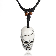 2017 NEW Imposing Imitation Yak Bone Necklace Men Carving Awe-inspiring Hiphop Skull Head Pendant Necklace For Women Wholesale