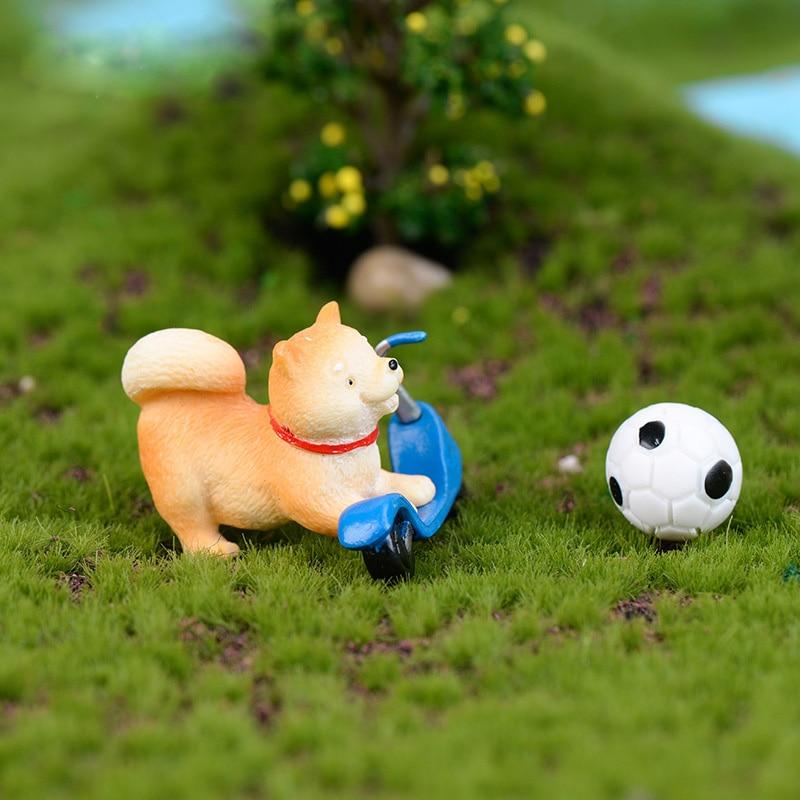 Akita Yellow Dog Figurine Cartoon Animal Model Moss Landscape Resin Craft Home Miniature Fairy Garden Decoration Accessories