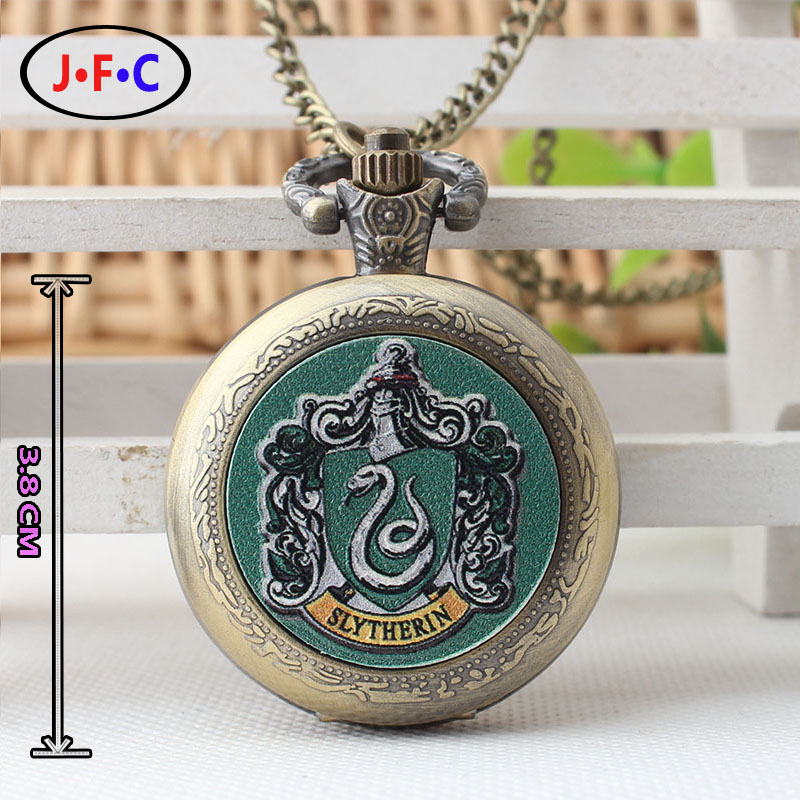 Hogwarts Magic School Slytherin Badge  Patch quartz pocket watch Harry Potter Watch collections Youth fashion watch ZS081 curren luxury brand relogio masculino date leather casual watch men sports watches quartz military wrist watch male clock 8224