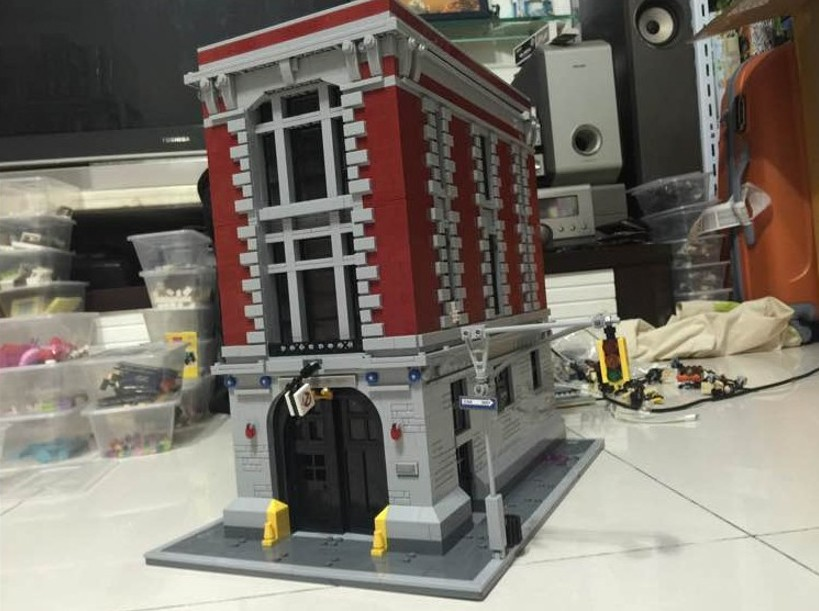 LEPIN 16001 4695pcs Movie Series Ghostbusters Firehouse Headquarters Building Blocks set Bricks Toys For Children Gift 75827 4695pcs lepin 16001 city series firehouse headquarters house model building blocks compatible 75827 architecture toy to children