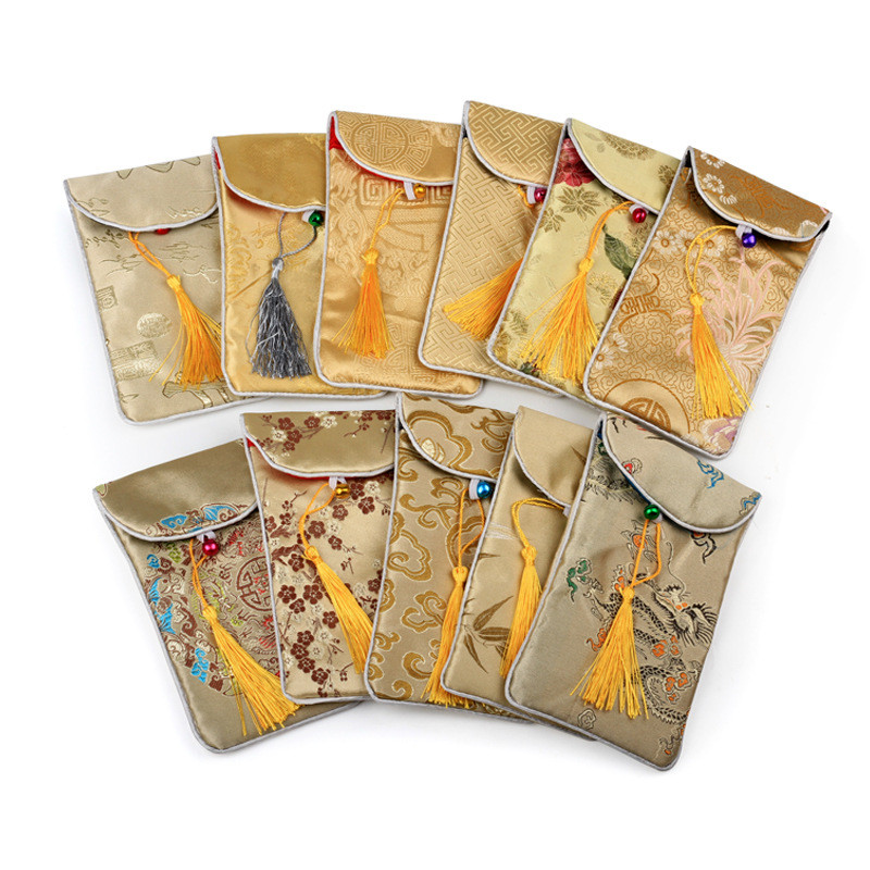 10pcs lot Silk Brocade Jewelry Pouch Chinese Style Silk Bags Rectangle Phone Holder Gifts Bags With Bell in Jewelry Packaging Display from Jewelry Accessories