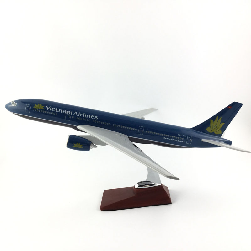 AIR PASSENGER PLANE 777VIETNAM AIRLINES AIRCRAFT MODEL MODEL PLANE SIMULATION 45CM ALLOY CHRISTMAS TOYS GIFTS 11167 phoenix malaysia airlines jubli 50 emas 1 400 b777 200er commercial jetliners plane model hobby
