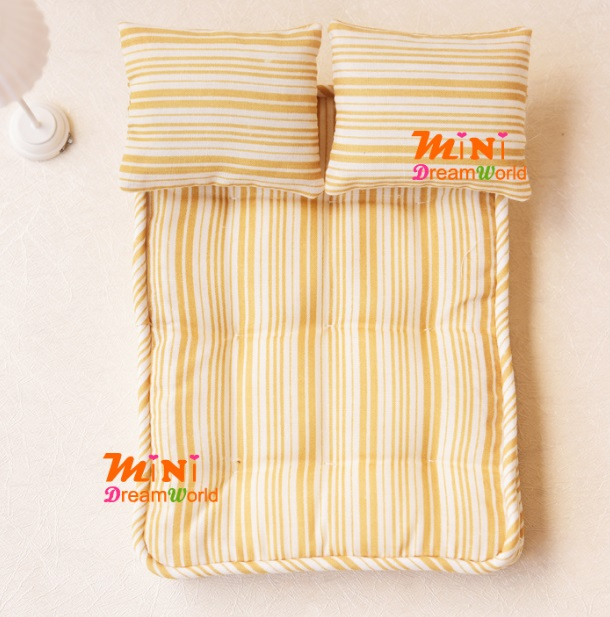 Mini Dollhouse Furniture Model Mattress Pillow Three Pieces
