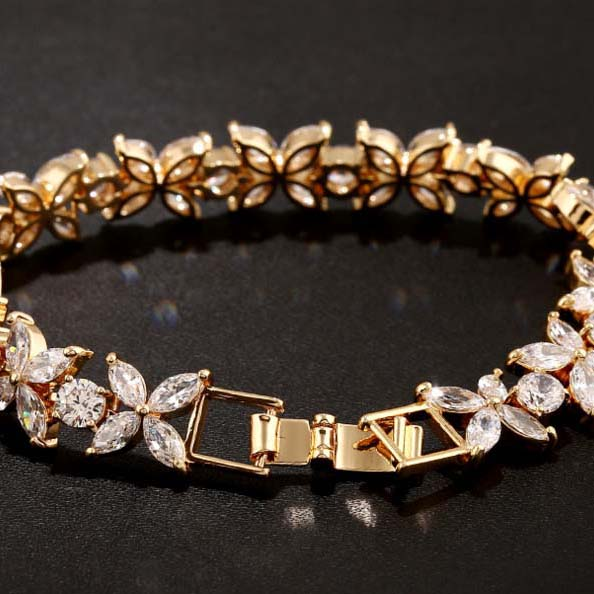 174a5fb936e4 2016 colección primavera flor cadena y enlace pulsera para las mujeres AAA  cúbicos ZIRCON joyas de cristal
