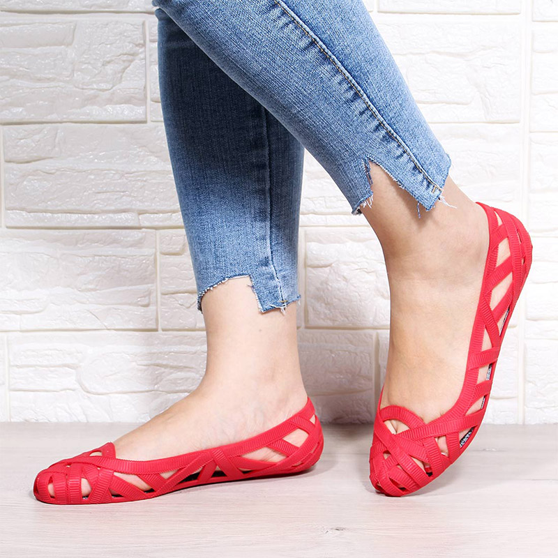 HTB1262YeQ5E3KVjSZFCq6zuzXXaF MCCKLE Summer Women Sandals Hollow Flat Shoes Female Slip On Sandals Fashion Soft Light Slides Ladies Comfortable Beach Shoes