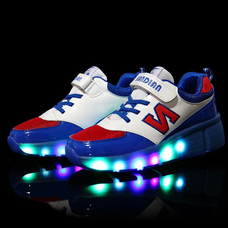New style ultralight runaway shoes children's wheel shoes with LED children's sports shoes the runaway midwife