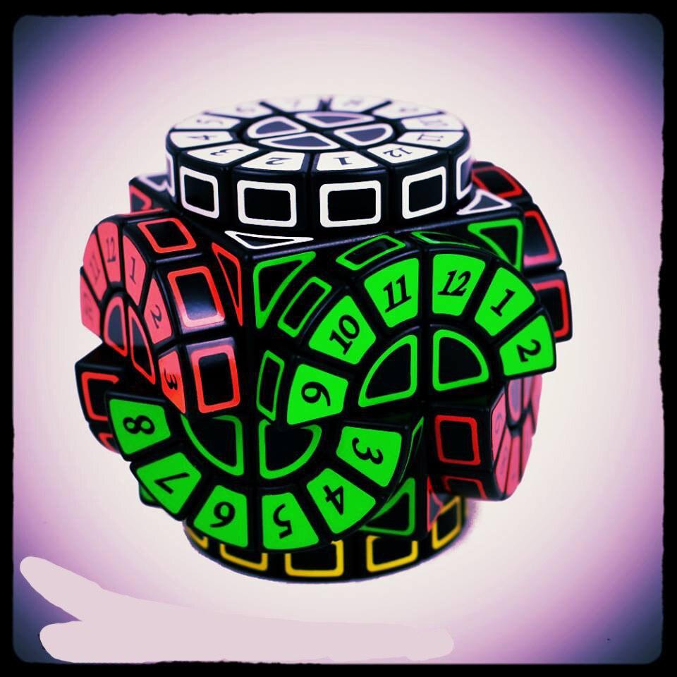 Nueva caliente 2x2 máquina de tiempo Cubo mágico puzle forma de versión limitada de ruedas de sabiduría Cubo Magico aprendizaje juguetes de regalo