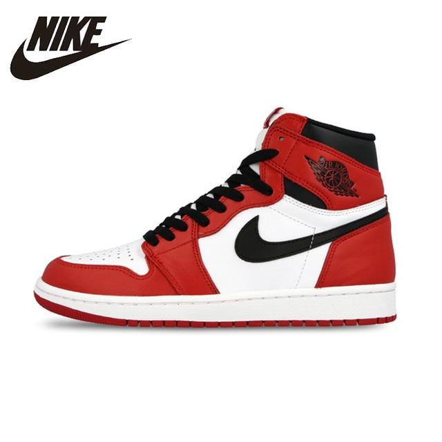 fe7a58210244d6 NIKE AIR JORDAN 1 RETRO High-Top And Otentik Merah Putih Bernapas Pria  Sepatu Basket