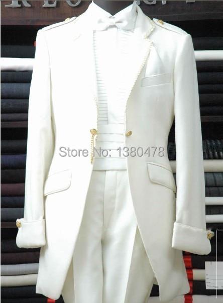 2016. gada karstais ieteikums baltajam līgavainim, smokingajiem - Vīriešu apģērbi