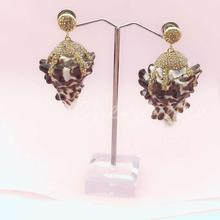 Popular natural conch shell earrings with golden crystal rhinestone beads fashion womens jewelry