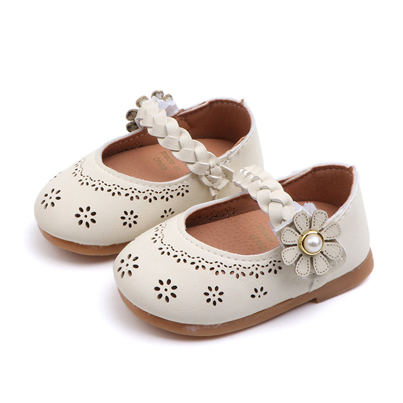 Baby Leather Baby Girl First Walker Breathable Shoes Infant Flower Soft Soled Non-slip Footwear Hollow Design Crib Shoes