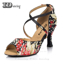 Купить с кэшбэком IDancing Dance Shoes Girl Ballroom Shoes For Women Dance Shoes Women's Latin Rhinestone Flower Soft Ladies Salsa Shoes Hot Sale