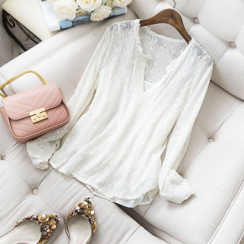 Mode Chemisier En V Soie Plissée Vintage Longues Conception Manches Cou Solide Style Blanc 2019 Chemises Broderie Femmes Profonde 100 Nouvelle Gracieux UdqE5w4U