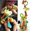 Desarrollo Infantil de la felpa Del Bebé Suave Jirafa Animal Handbells Sonajeros Mango Juguetes Venta Caliente Con Mordedor Bebé de Juguete
