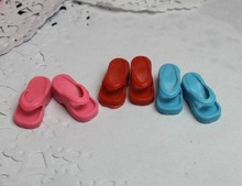 100Pairs lot Best Selling Flip Flops For 11 Girl Dolls Toy Slippers Mixed Color Sandals Doll