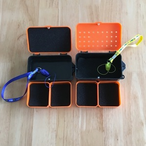 Image 2 - 多機能 2 コンパートメントボックス 10*6*3.2 センチメートルプラスチックミミズワームベイトルアーフライ鯉釣具ボックスアクセサリー
