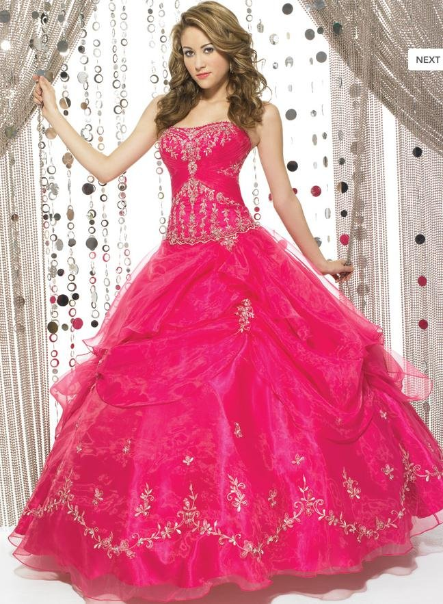 77f23d0333 Beautiful Quinceanera dresses lady s Strapless dresses custom-made Ball Gown  Celebrate dresses sell by the piece Hot New