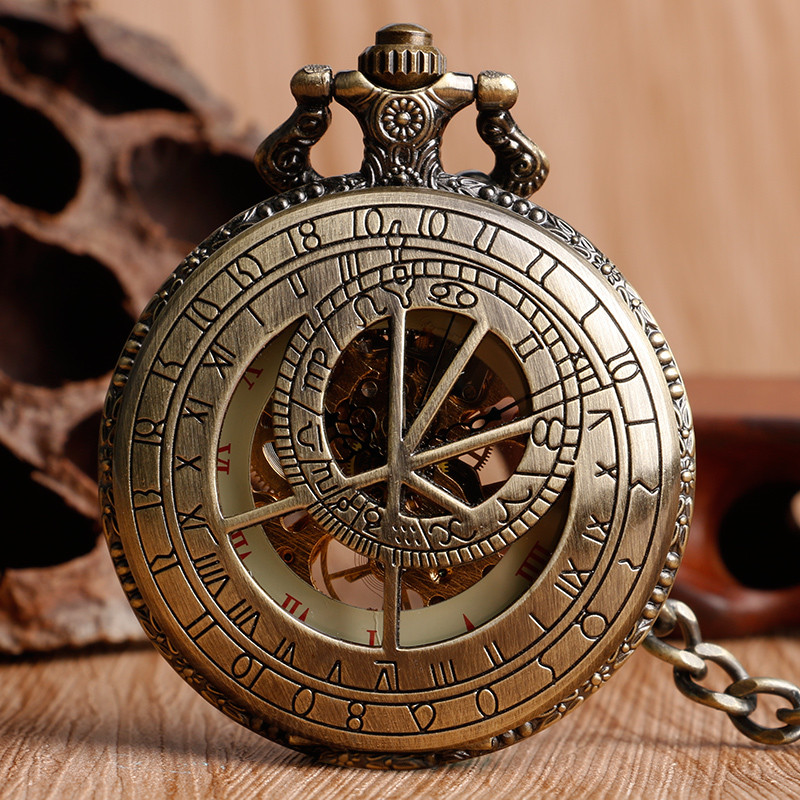 Bronce antiguo Hollow Doctor Who Zodiac Constellation Retro número romano Dial mecánico mano viento bolsillo reloj creativo regalo