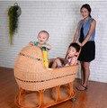 Carrinho de bebê cadeira de madeira material natural berço cama mesa