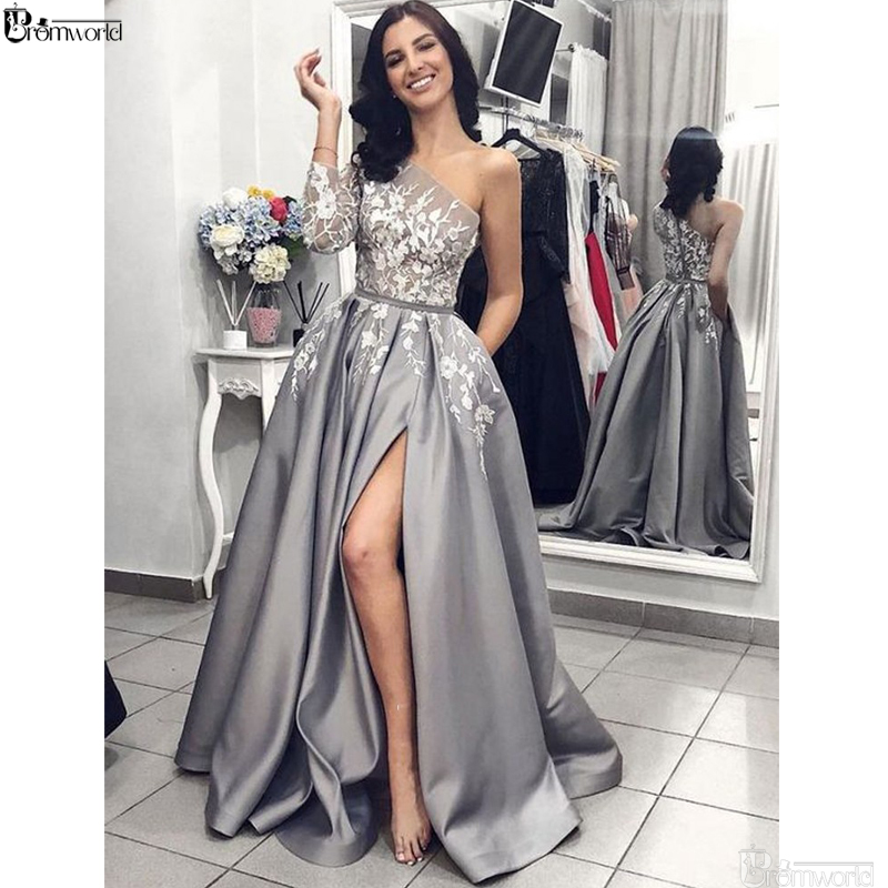 Gris Satin robe de soirée 2019 a-ligne Sexy fendu blanc dentelle longue robes de bal avec poches une épaule manches longues robe de soirée