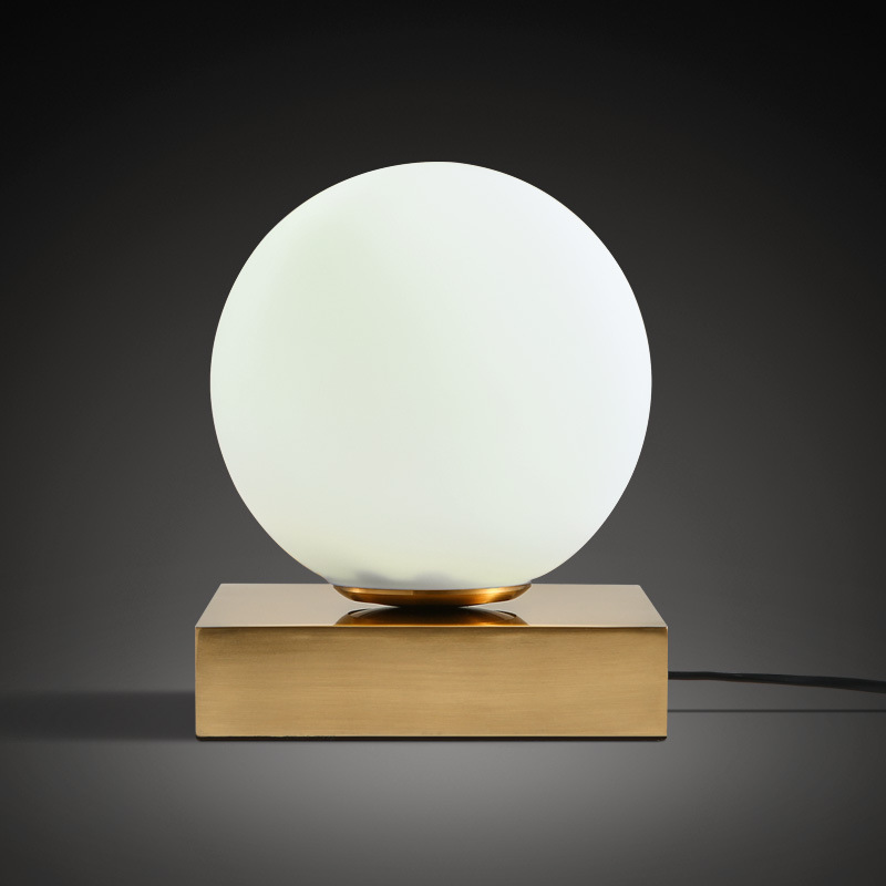 Nordic glass round Ball LED table lamp Bedside Fashion Desk Lampromantic Modern bedroom bedside Table Lamps nordic dia 20cm white glass ball table lamp gold bedside table lamps e27 led desk light for bedroom lamparas de mesa tafellamp