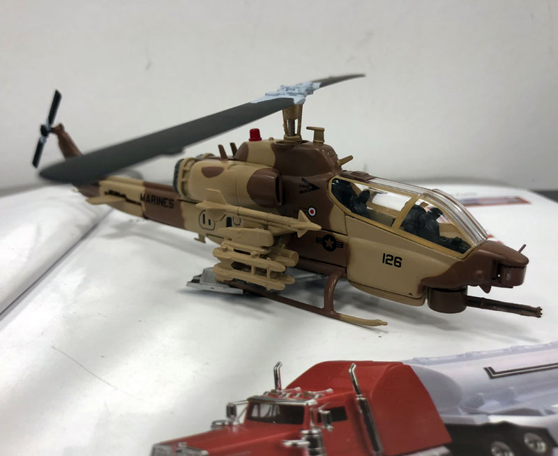 IXO 1/72 Scale Military Model Toys AH-1W SuperCobra Helicopter Diecast Metal Plane Model Toy For Gift/Kids/Collection