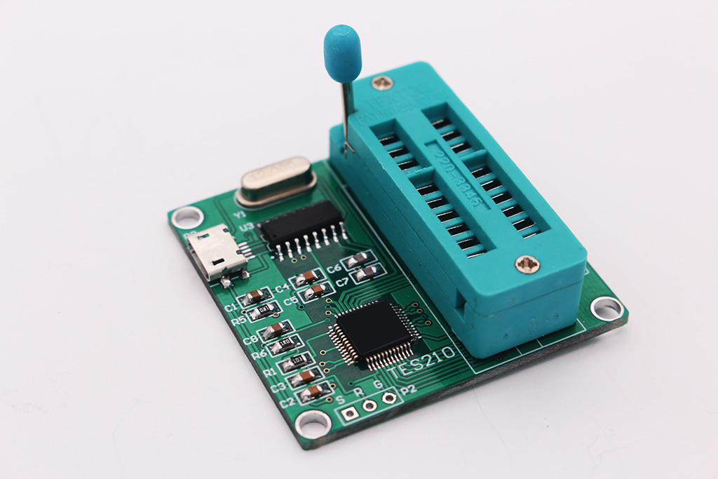 The New Version of USB Integrated Circuit Tester 7440 Series IC Analog Chip Can Judge Whether the Logic Gate Is Good or Bad.