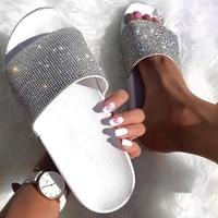 Для женщин Летние тапочки шлепанцы со стразами; шлепанцы; женская обувь Стразы для ногтей пляжные шлепанцы без задника с открытыми пальцами...