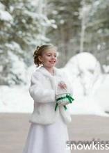 Cheap Cute 2016 Girls Cape Wedding Cloaks Faux Fur Jacket For Winter Kid Flower Girl Shrug