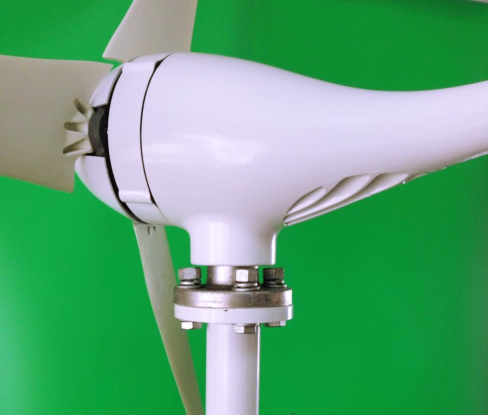 300W 12V 24V Wind Turbine Generator,Aluminum Alloy Metal Shell Low Speed Start 2.0m/s, 3 5 blades 630mm. with charge controller 200w generator wind turbine generator max 300w 12v 24v 2 0m s low speed start 3 5 blade 650mm with 300w charge controller