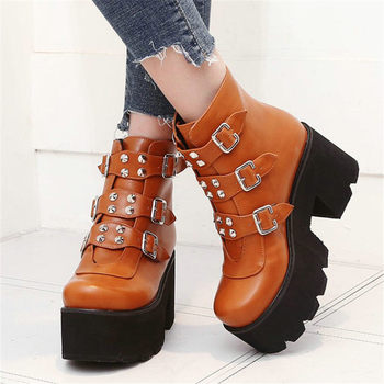 2019 Chic Rivets Shoes Women Chunky High Heels Warm Party Pumps Round Toe Platform Ankle Boots Casual Shoes Black Brown Creepers