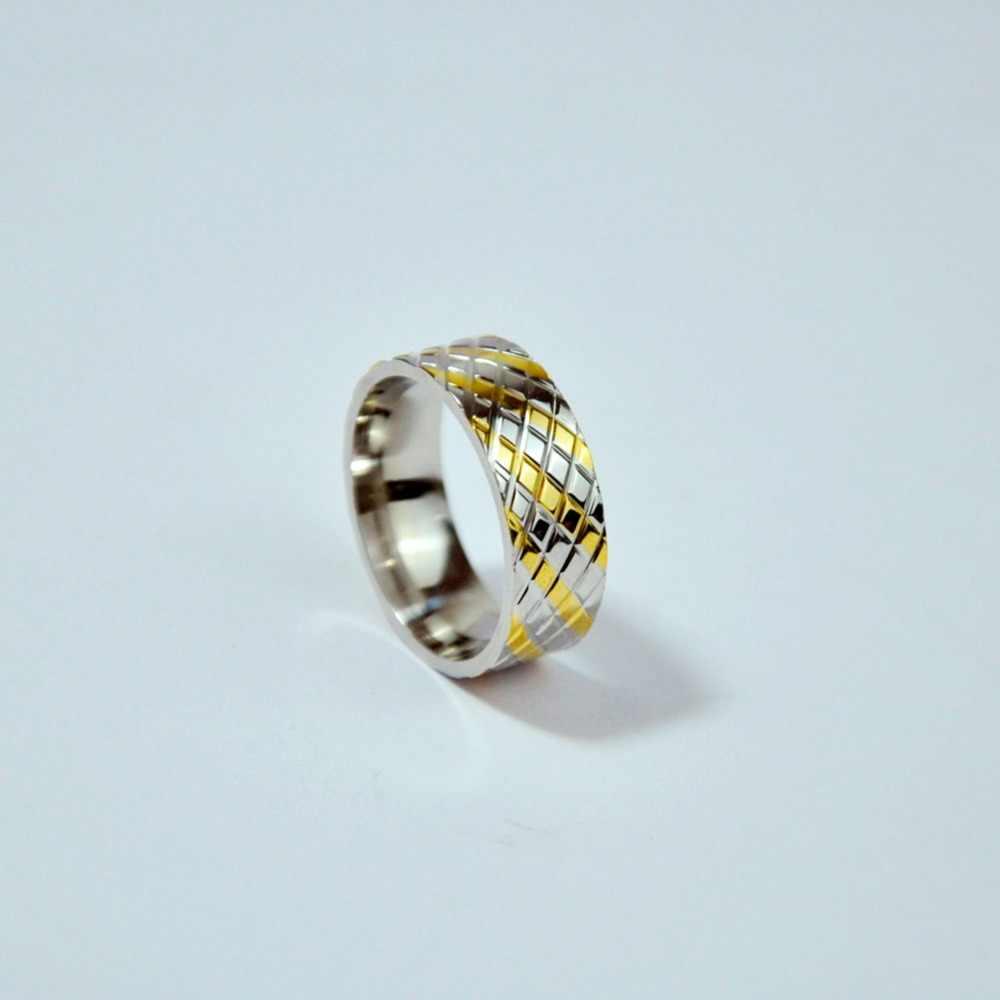 ผู้หญิงงานแต่งงานแหวนหมั้นสแตนเลสคุณภาพสูงผู้หญิงเครื่องประดับคอลเลกชันขนาดใหญ่