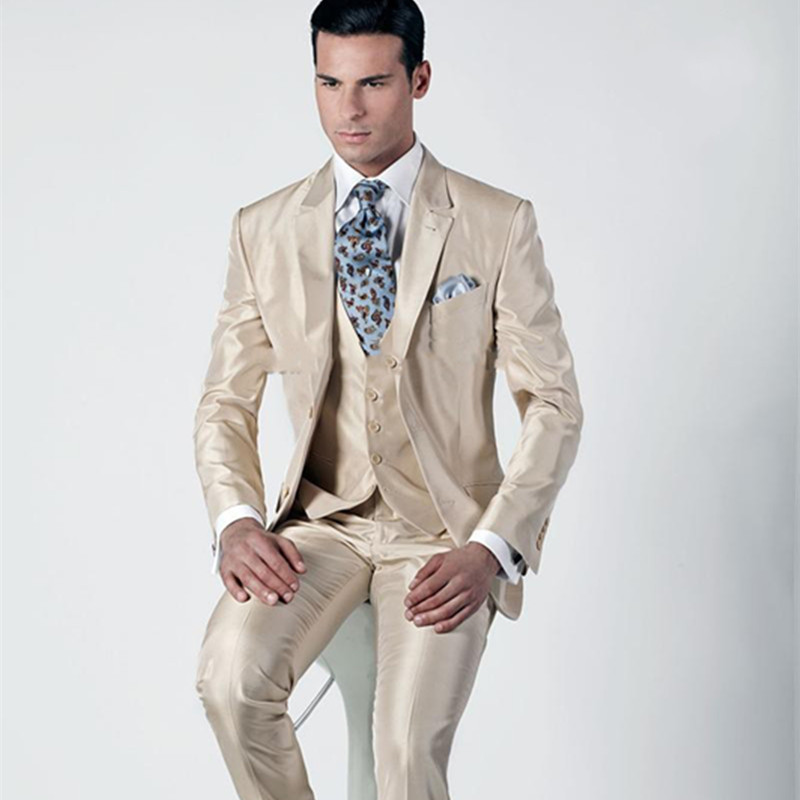 Fashionable Two Button Champagne Groom Tuxedos Groomsmen Mens Wedding Suits Prom Bridegroom Men Suit (Jacket+Pants+Vest+Tie)