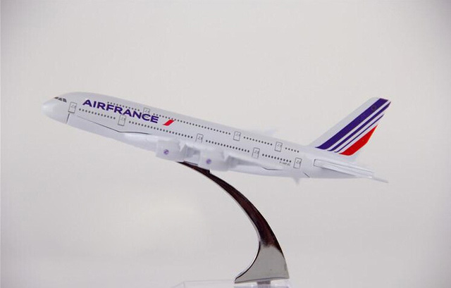 Passenger plane model A380 Air France aircraft A380 Metal Solid simulation airplane model for kids toys Christmas gift