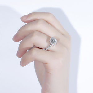 Image 4 - Doveggs Vintage Sterling Solid 925 Silve Center 2ct 7.5 Mm Kussen Cut Hi Kleur Gemaakt Moissanite Halo Engagement Ring Voor vrouwen