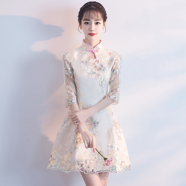 bc2944083476 Novelty Lace Mini Cheongsam Chinese Traditional Embroidery Flower Dress  Classic Handmade Button Qipao Vestidos Size S-3XL Z-1023