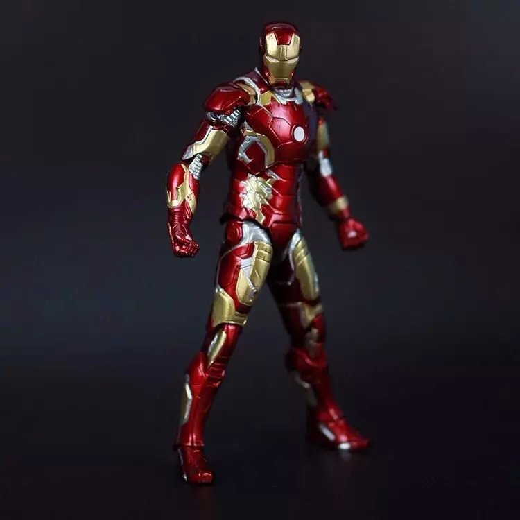 Free Shipping Marvel Iron Man 3 Action Figure Superhero Iron Man Tonny Mark 42 Mark 43 PVC Figure Toy 18cm Chritmas Gift