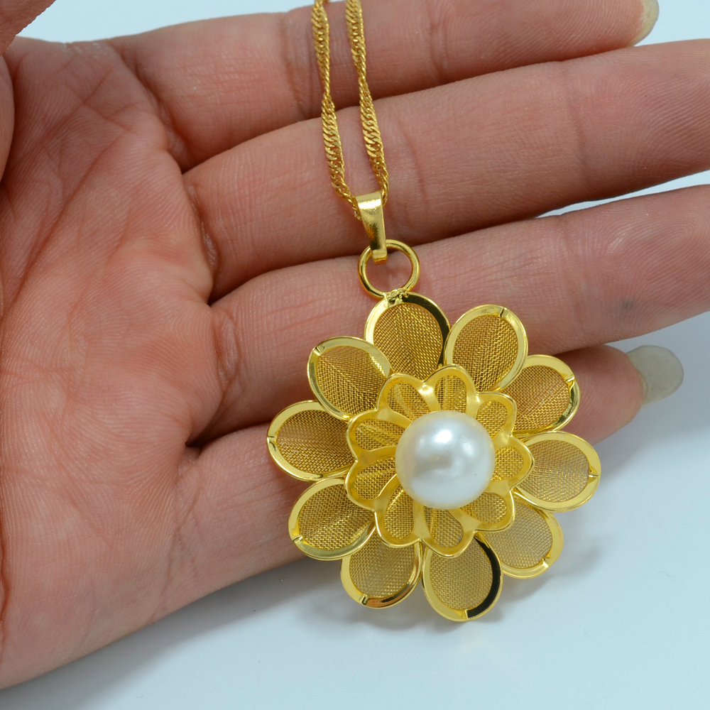 Gold Flower Necklace Pendant for Women,Metal Rose Necklaces ...