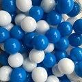50 unids/lote bebé ecológico azul y blanco antiestrés de plástico piscina de bolas océano divertido toys estrés bola de aire deportes juego fosa bolas