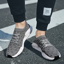 2018 New female Walking Shoes Couple Breathable Sneakers Women Men Sports Shoes Students Lightweight Free Flexible