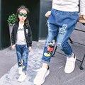 2016 Novo design de Jeans para a Menina Da Menina Das Crianças para Calças De Brim Quebrado Estilos de buracos Calças Calças Da Menina Do Bebê para Calças de Brim Calças Jeans Legais
