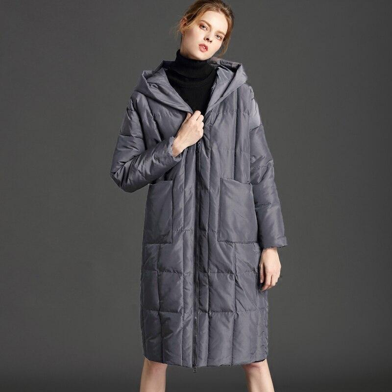 Женская зимняя куртка-пуховик большого размера с капюшоном