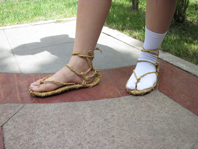 Japanese Anime BLEACH Coplay COS Prop Shoes Straw Sandals