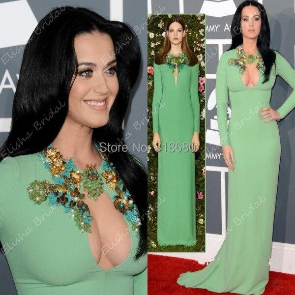 Katy perry de vestido verde