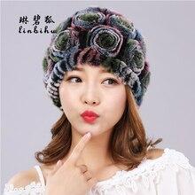 Mujeres Real Rex Rabbit Fur sombreros moda Rosa flor gorros estilo Lovely  Girls sombreros señoras del invierno caliente piel de . 51f998fb0e1