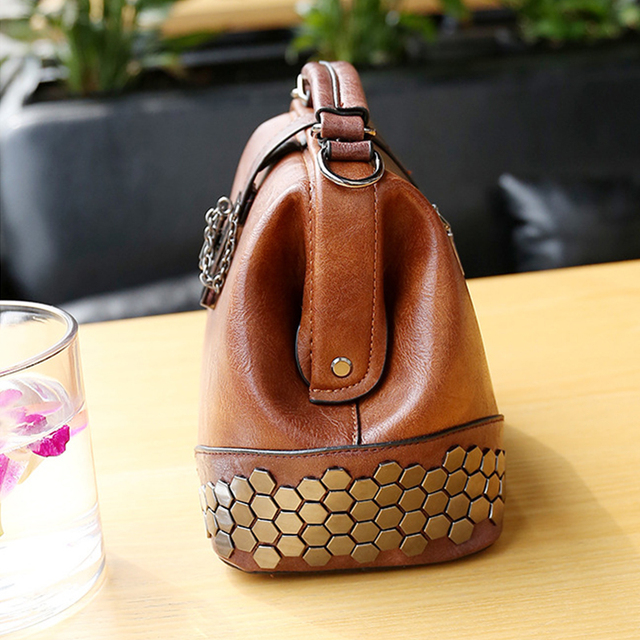 Fashion Women Handbags New Women Lock Chain Rivets Vintage Pu Leather Crossbody Shoulder Bag Ladies Doctor Bags Female Totes 3
