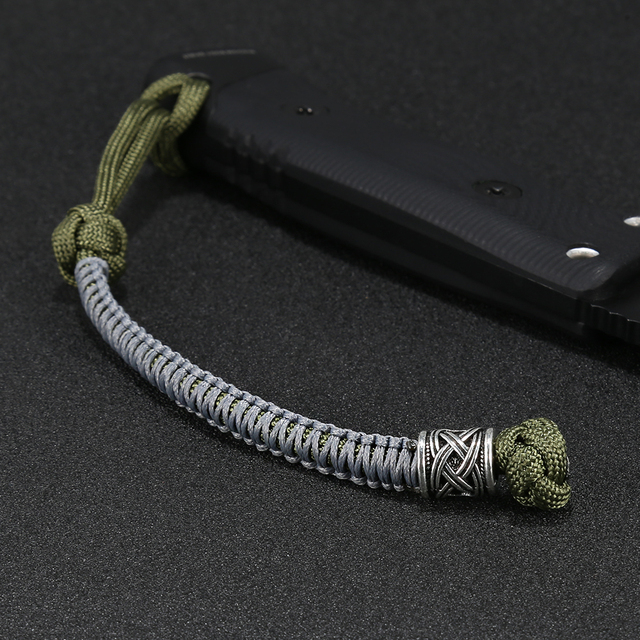 New Exquisite Custom paracord Lanyard / Keychain / Key Fob