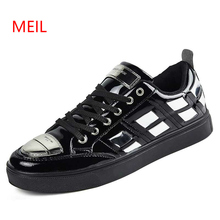 Mens Brand Fashion Sneakers Men Metal Toe Loafers Patent Leather Driving Party Flats Man Moccasins Oxfords Casual Sequins Shoes